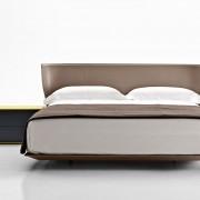 кровать, кровать с высоким изголовьем, италия, B&B Italia, сталь, кожа