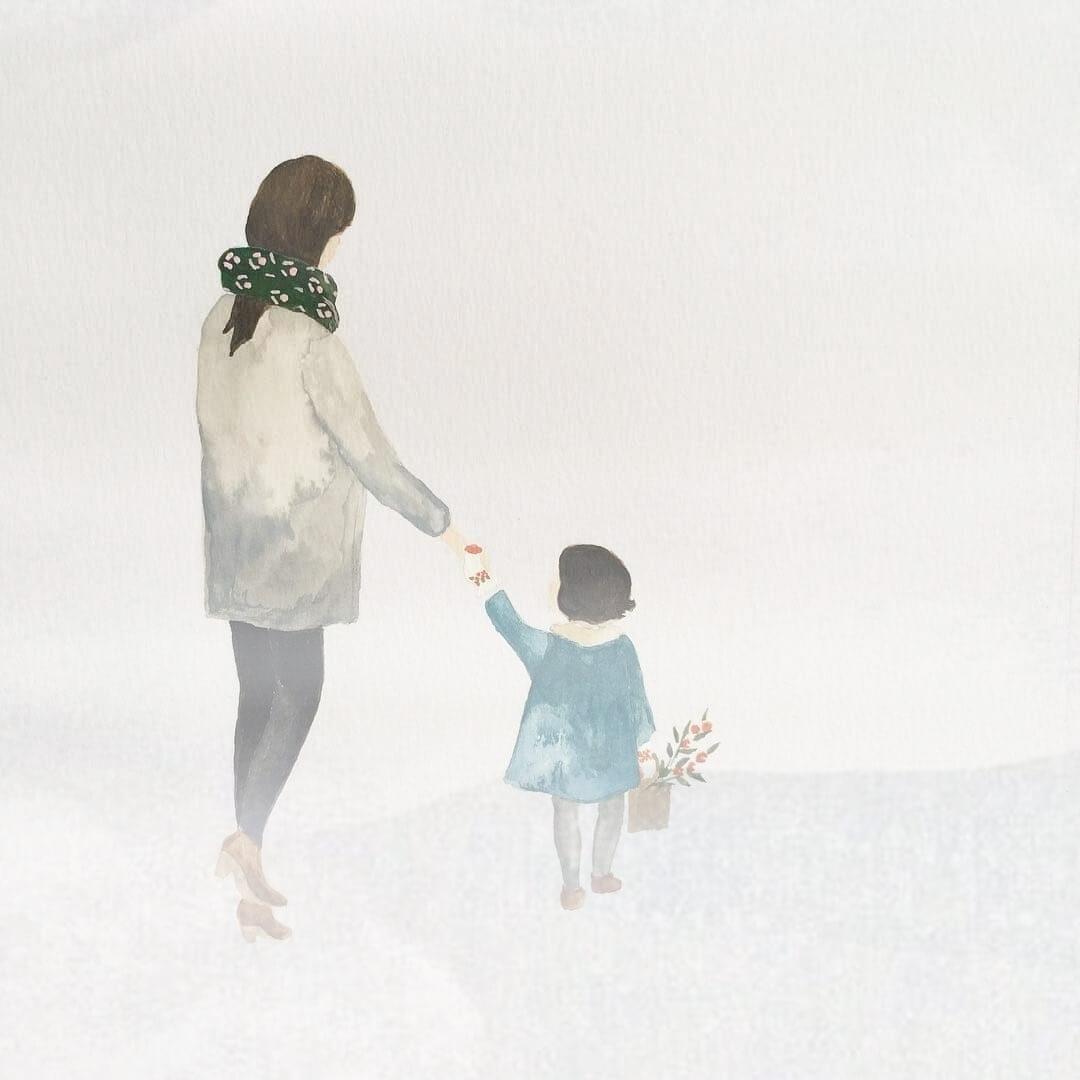 На развалинах детских сказок - сквозь туман виднеются две фигуры.